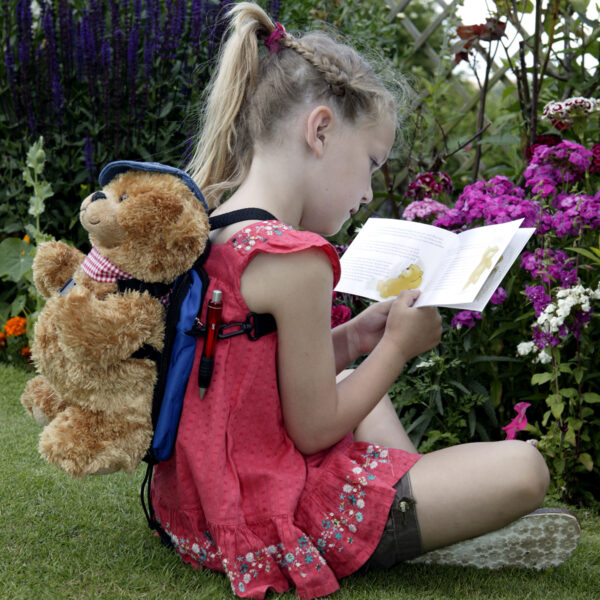 Reading with Jofli Bear
